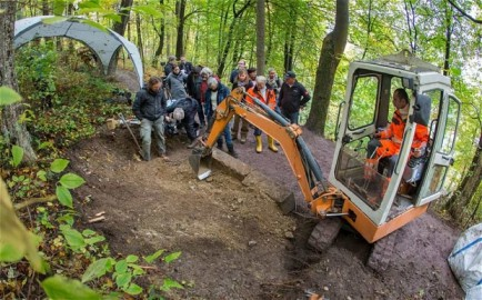 Photo via The Telegraph of the exhumation of the Dark Countess' tomb in Germany.