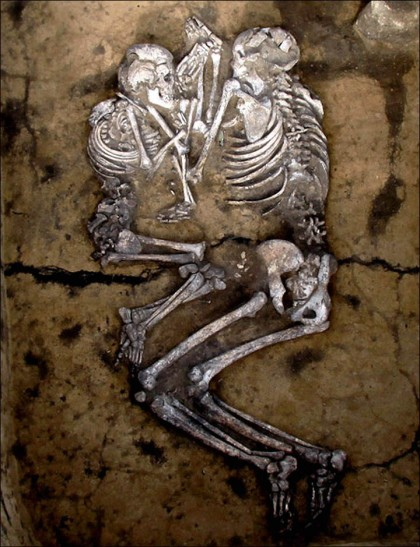 Photo via The Siberian Times; an Andronovo burial contain the skeletal remains of a couple.
