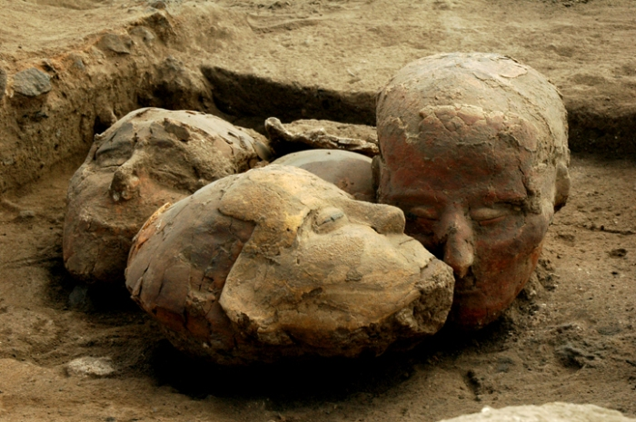 Photo from HumanPast of Plaster Skulls from PPNB