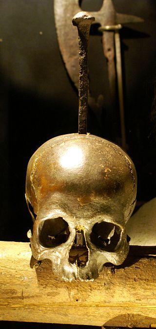 Skewered cranium that may have belonged to Pirate Klaus Störtebeker, found in 1878 on the Grasbrook.  Image Credit: Wikipedia