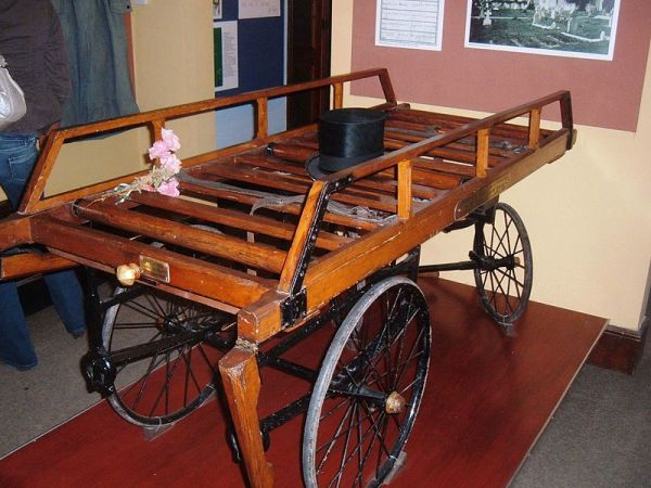 Funeral bier at the Somerset Rural Life Museum. Image credit: Rodw on Wikipedia.