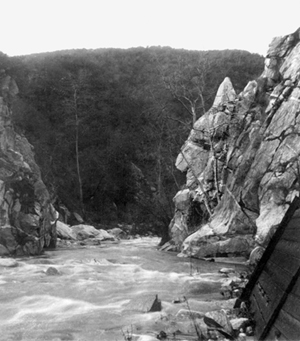 """The Devil's Gate at the Arroyo Seco River. The """"devil's profile"""" can been seen in the rock to the right."""